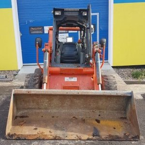 foto 4.2t skidsteer +posible drill +wood shovel